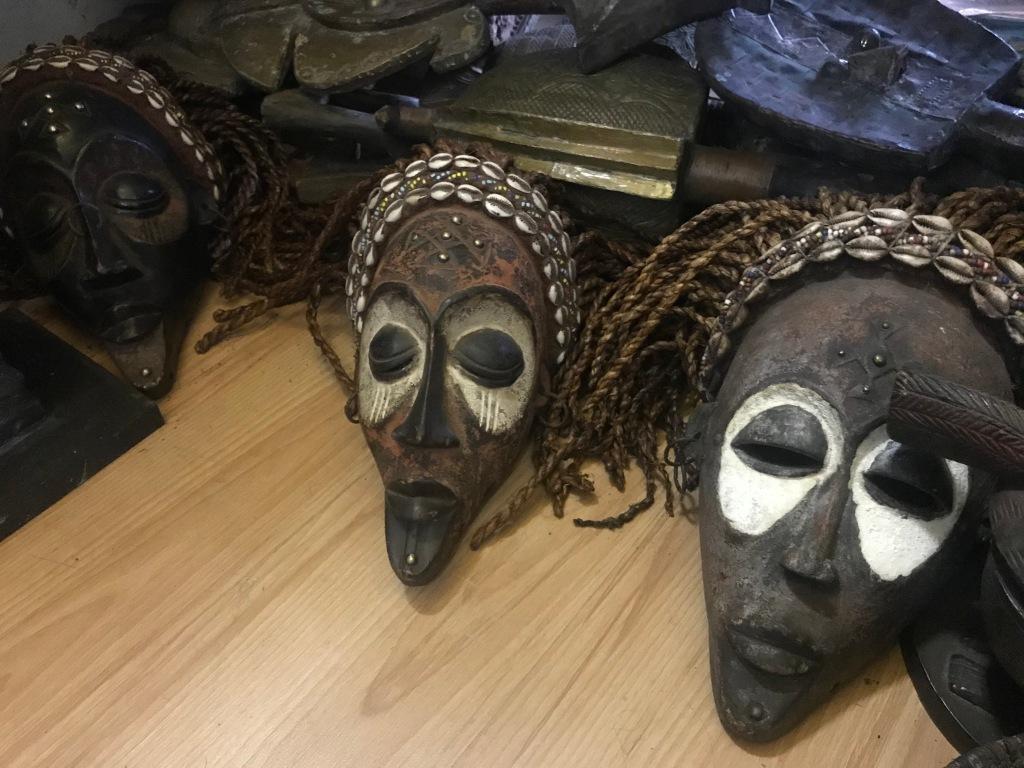 maschere tradizionali africane a Cape Town